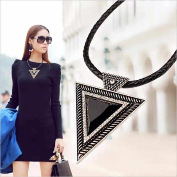 Fashion Triangle Pendant Rope Chain Necklace (2 Colors)